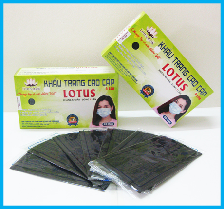 Khẩu trang cao cấp Lotus đen 4 lớp dày - Hộp 20 chiếc
