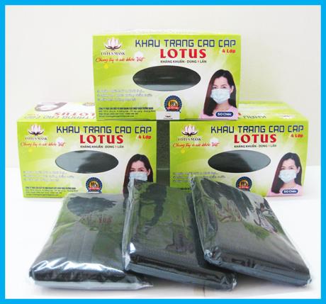 Khẩu trang lotus đen 4 lớp dày - Hộp 50 chiếc