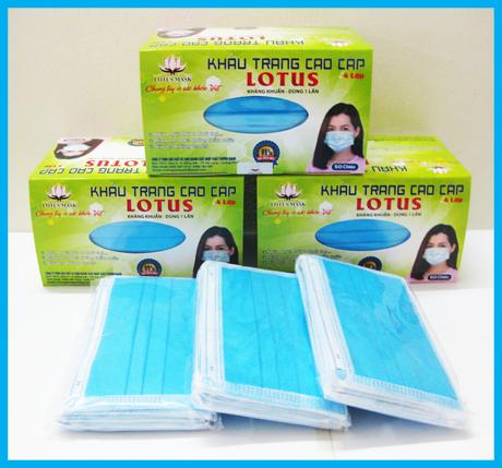 Khẩu trang lotus xanh 4 lớp dày - Hộp 50 chiếc